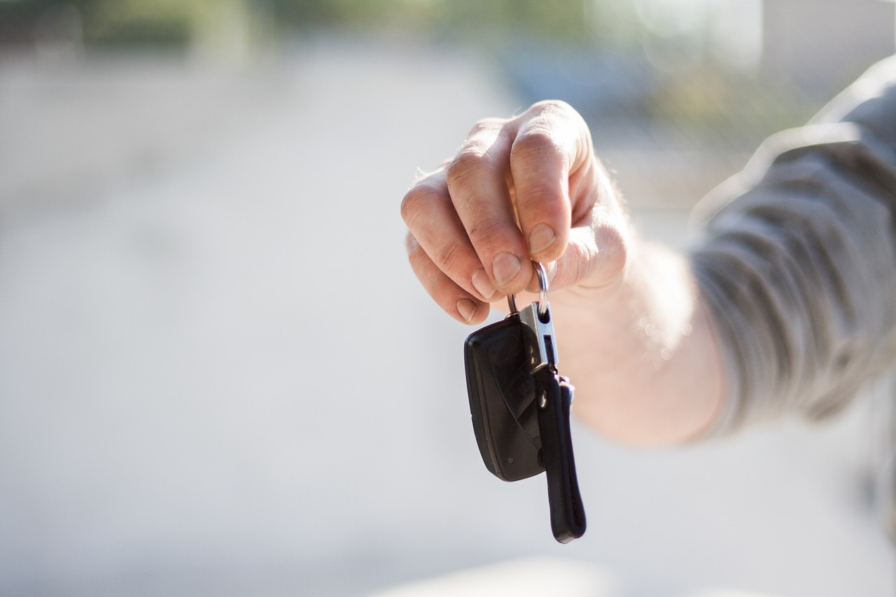 What are the benefits of leasing a brand new van?