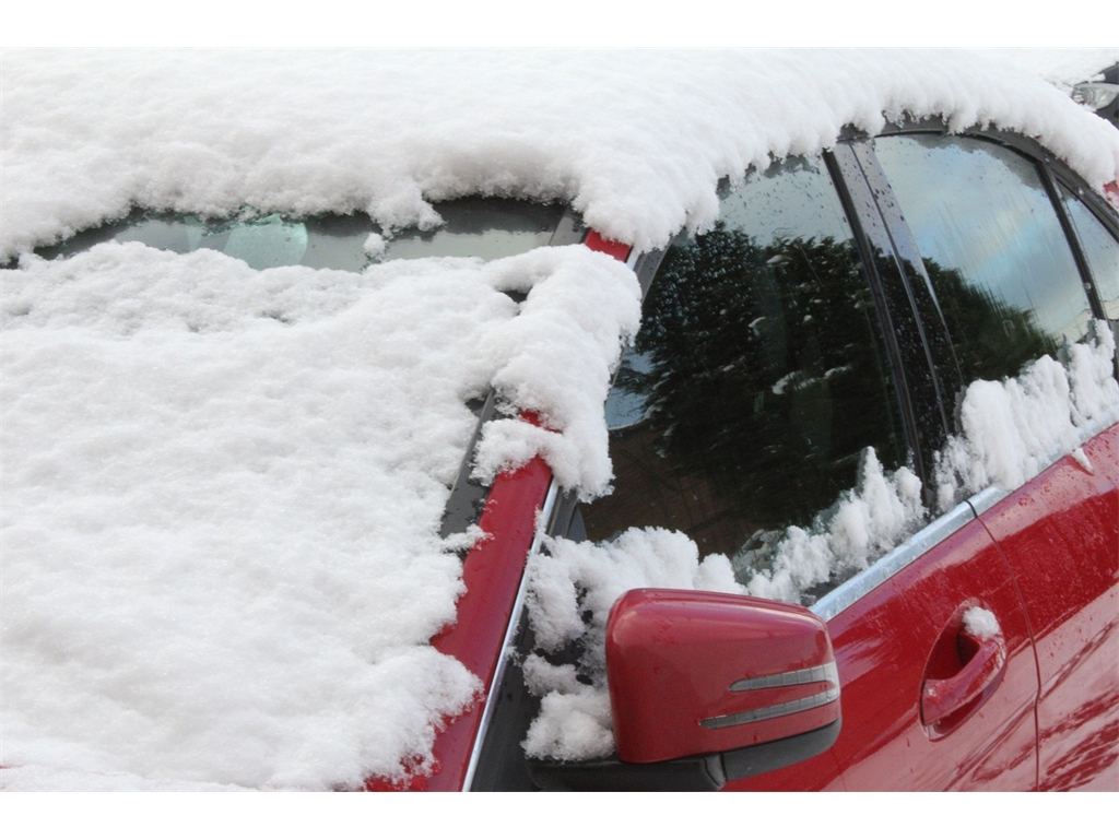 Is it illegal to drive with snow on your car?