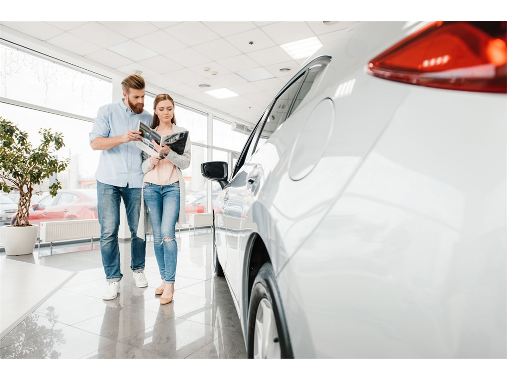 Thinking of leasing a car through your business? We outline the benefits.