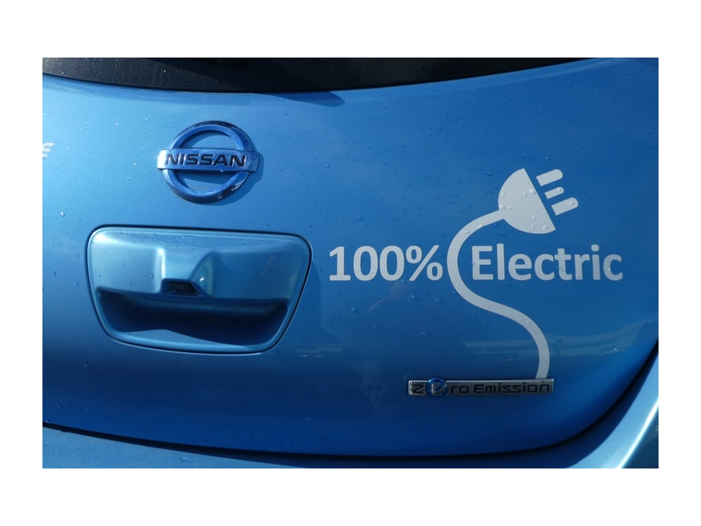 Our tips on maintenance for your electric car