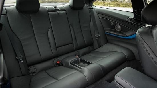 BMW 4 series couple